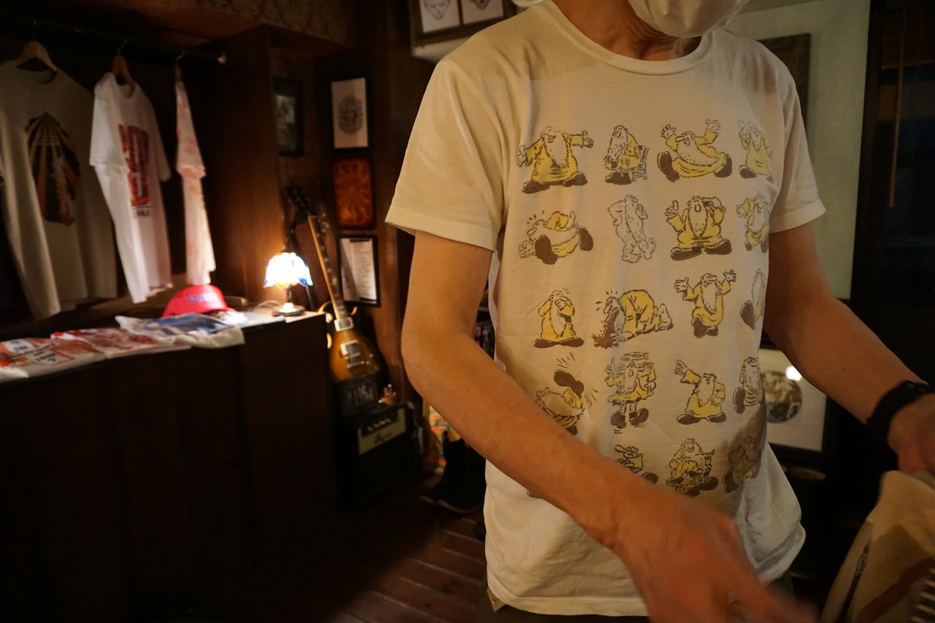 ニュートラル NEUTRAL ステンシルTシャツ