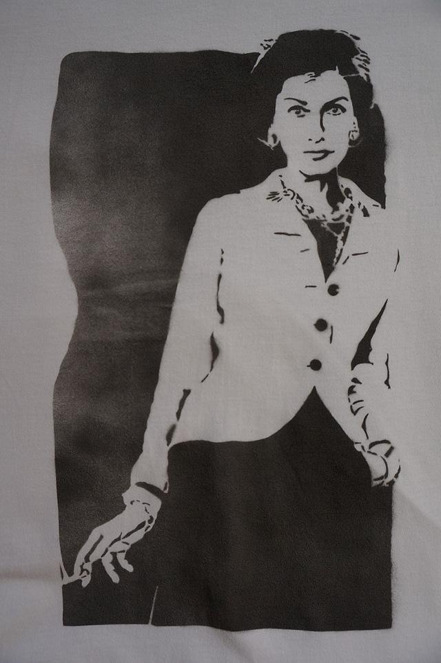 neutral(ニュートラル)のstencil t-shirt(ステンシルTシャツ)の画像