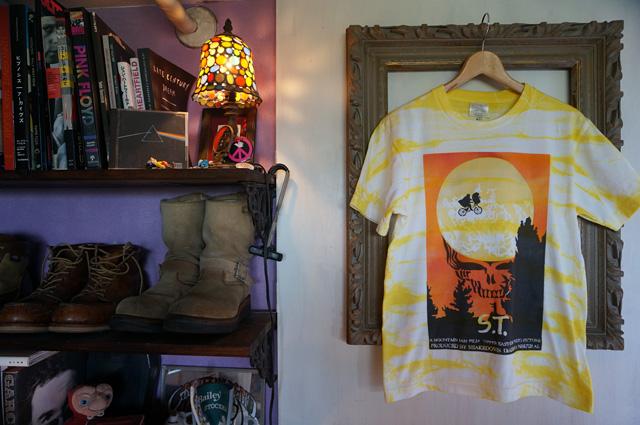 NEUTRAL(ニュートラル)製のタイダイ、ステンシルTシャツ SHAKEDOWN TRADING(シェイクダウントレーディング)