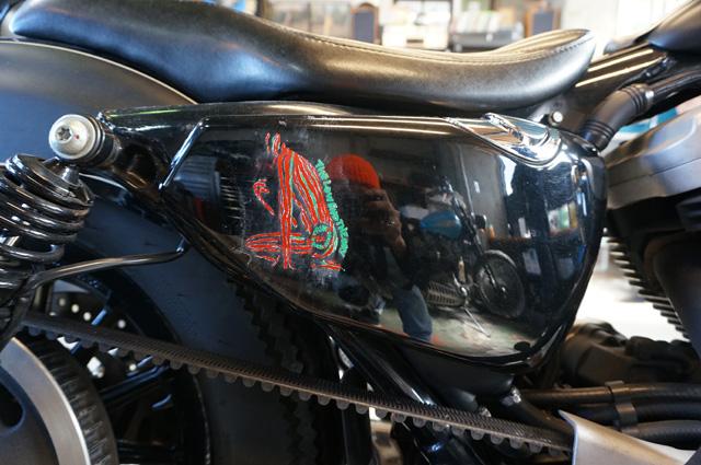 HIDE MOTORCYCLE(ヒデモーターサイクル) HIDEMO(ヒデモ)SKOP PAINT WORKのピンストライプ ペイントイベント