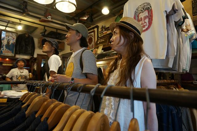 neutral ニュートラル SHAKEDOWNTRADING シェイクダウントレーディング ステンシルTシャツ UPPEREASTSIDEJAM 上野